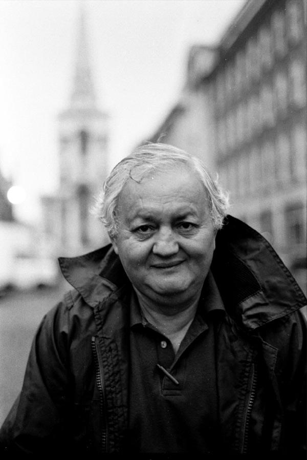 Bernie Saunders in Brushfield Street, 1989