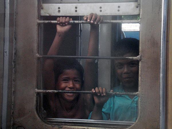 Chittagong railway children, 2008
