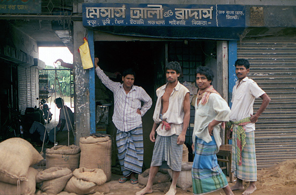 Market porters in Bangladesh