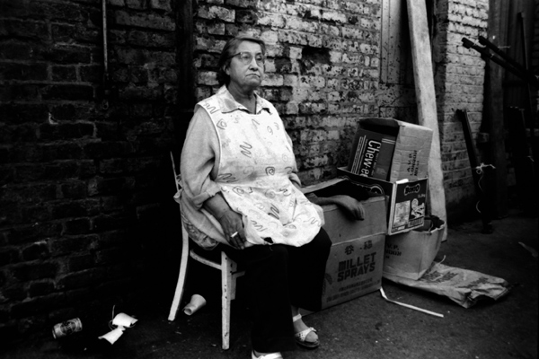 Market trader at the Brick Lane Market, Sclater Street 1987