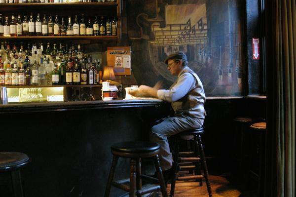 Pub, New York City 2005