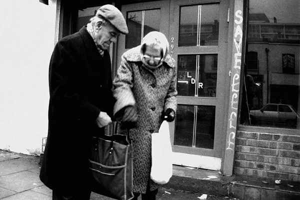 Couple in Stepney. Off Commercial Rd, 1987