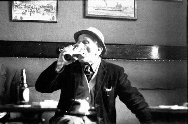 Lodge Lane pub. Liverpool 1980 (Bishopsgate Collection)