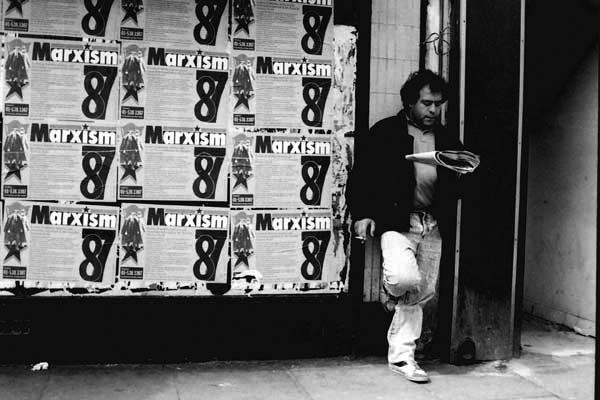 Man waiting, Whitechapel 1987