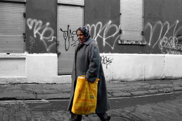 Lady with bag, Whitechapel 2007