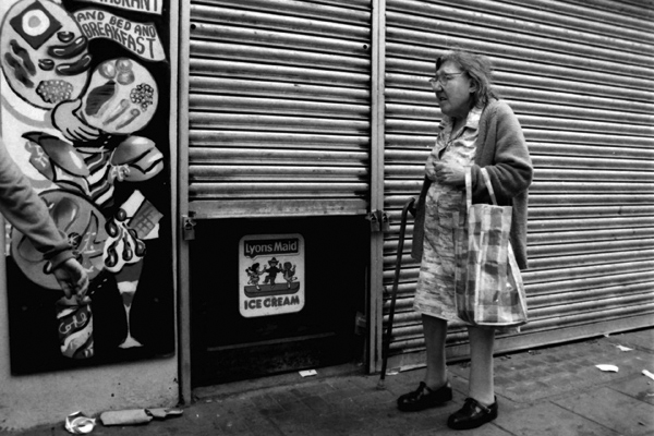 Bethnal Green Road, c. 1987