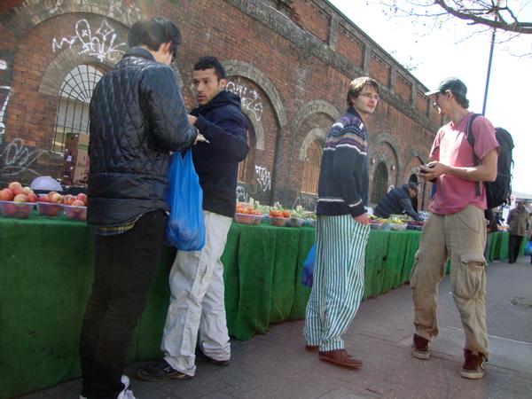 Shoreditch, Sunday fruit market 2009