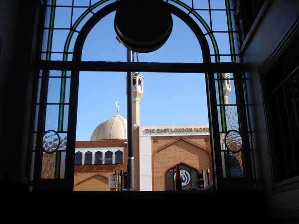 East London Mosque from the Indo pub 2006