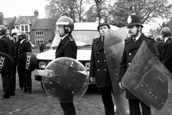 Police in Plashet park, Newham 1985