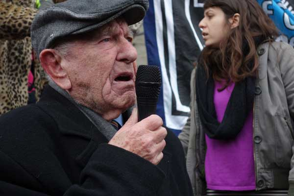Max Levitas (now 101) campaigning in 2015