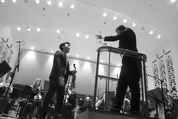 Conductor Vasily Petrenko congratulates Ray on his performance. Liverpool Philharmonic 2017.