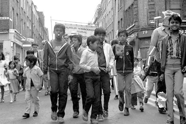 Spitalfields festival. Brick Lane 1985.