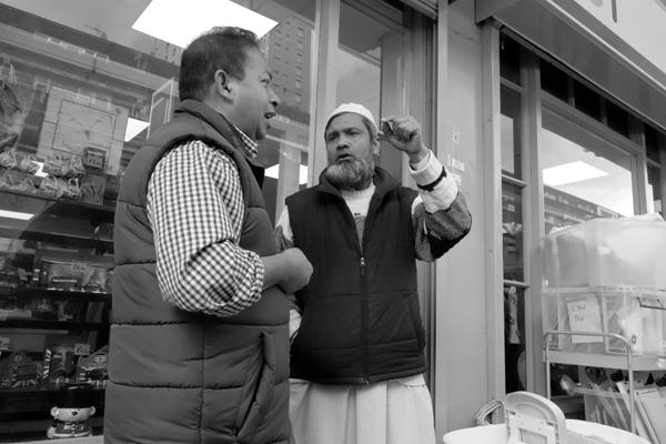 Conversation. Watney Market. East London 2017.