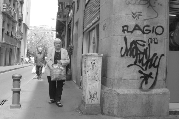 Woman with a basket. Barcelona 2015.