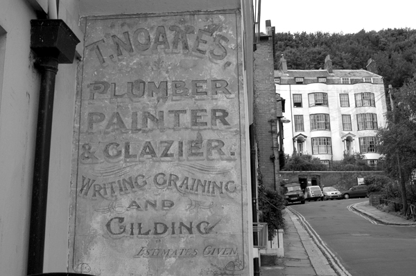 Old sign. Hastings 2006.