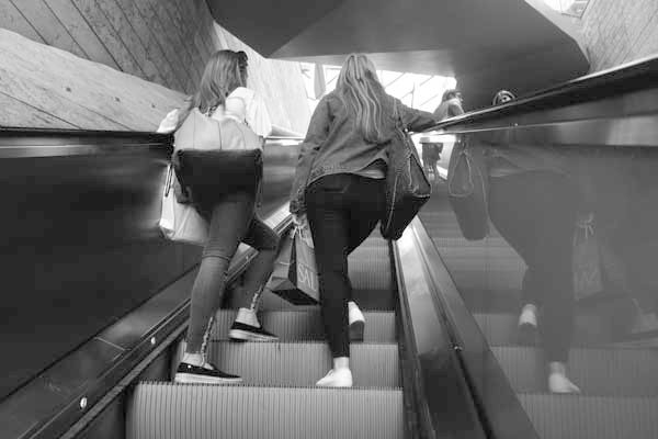 Escalator. Liverpool One 2017.