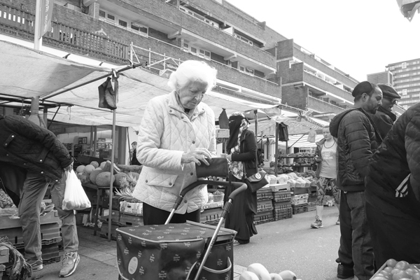 Checking the purse. Watney market 2017.