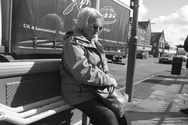 Waiting for the bus. Picton Road, Liverpool 2017.
