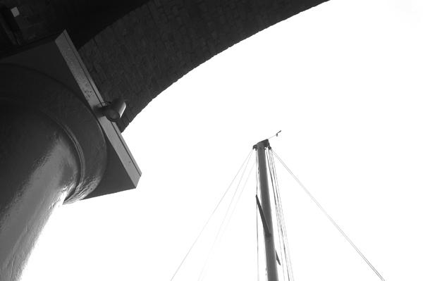 Column & arch. Albert Dock. Liverpool 2005.