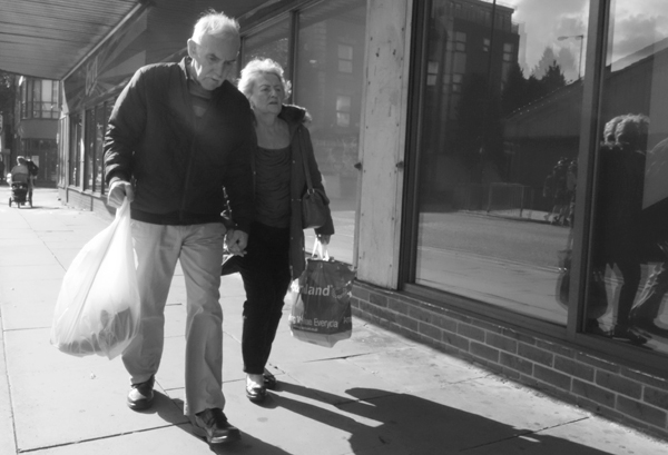 Couple. London Road, Liverpool 2017.