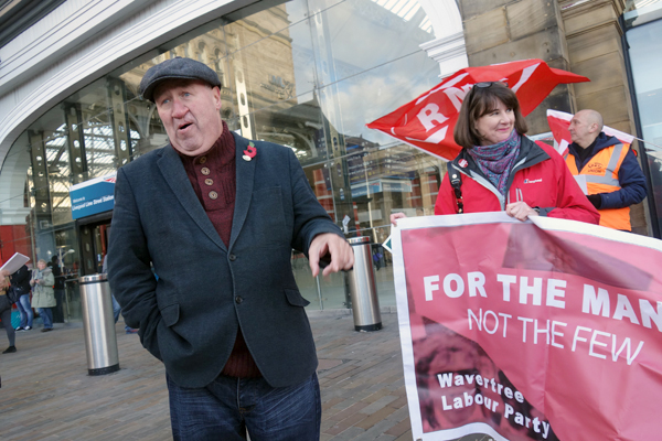 John Tilley of the RMT calls for Liverpool Metro Mayor Steve Rotheram to support the guards. Outside Lime Street station yesterday. Liverpool 2017.