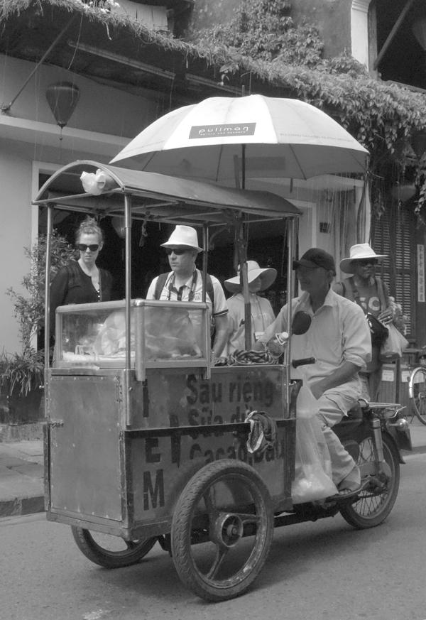 Street vendor Hoi An, Vietnam 2016.